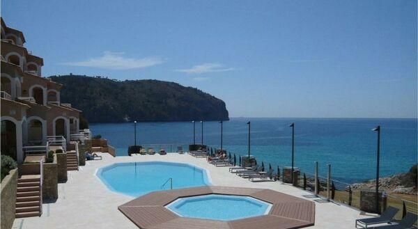 Holidays at Bahia Camp De Mar Hotel in Camp de Mar, Majorca