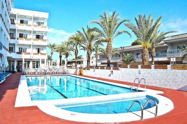 Holidays at BQ Sarah Hotel in Ca'n Picafort, Majorca