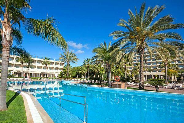 Holidays at Clubhotel Riu Guarana in Olhos de Agua, Albufeira