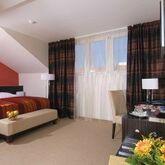 EA Manes Hotel Picture 5