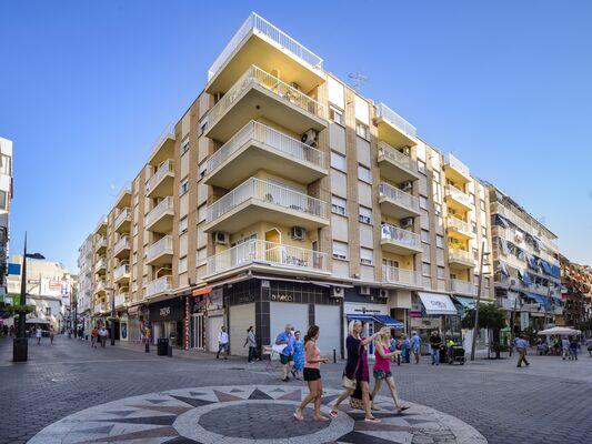 Holidays at Avenida Apartments in Benidorm, Costa Blanca