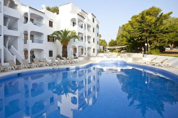 Holidays at Europa Apartments in Sa Coma, Majorca