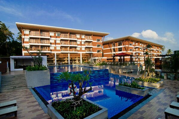 Holidays at Peach Blossom Resort Hotel in Phuket Kata Beach, Phuket