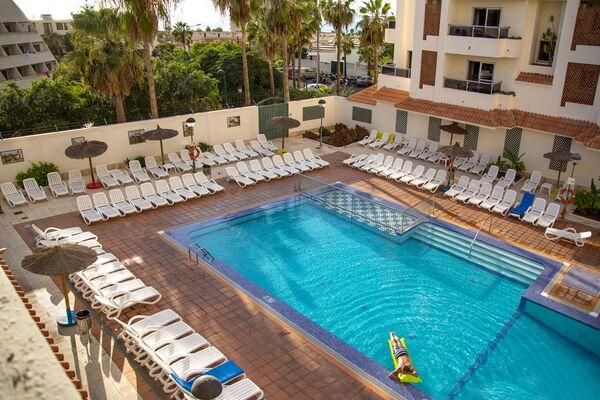 Holidays at Oro Blanco Apartments in Playa de las Americas, Tenerife