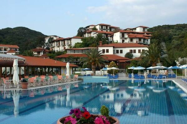 Holidays at Aristoteles Holiday Resort & Spa Hotel in Ouranopoulis, Halkidiki