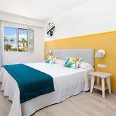 Tropical Park Apartments Picture 5