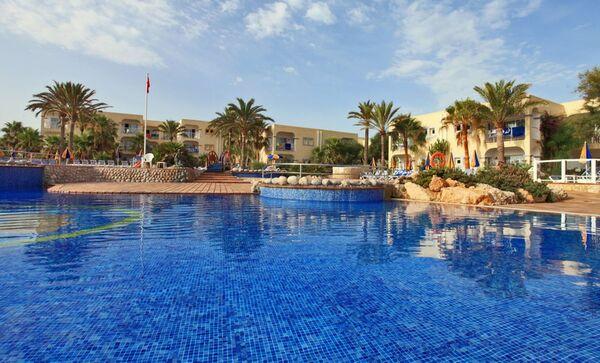 Holidays at Sirenis Hotel Club Aura in San Antonio Bay, Ibiza