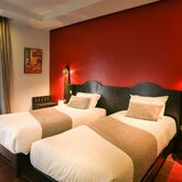 Red Hotel Picture 6