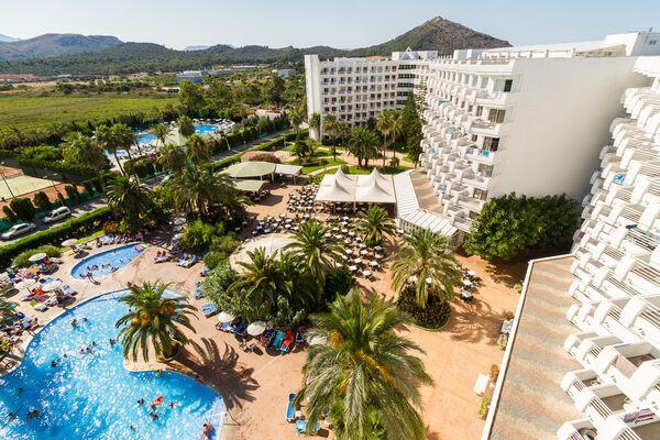 Holidays at EIX Lagotel Hotel & Apartments in Playa de Muro, Majorca