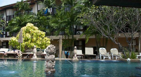 Holidays at Baan Karon Resort Hotel in Phuket Karon Beach, Phuket