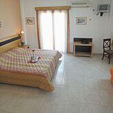 Sarantis Hotel Picture 3