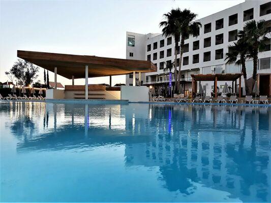 Holidays at Maria Nova Lounge Hotel in Tavira, Algarve