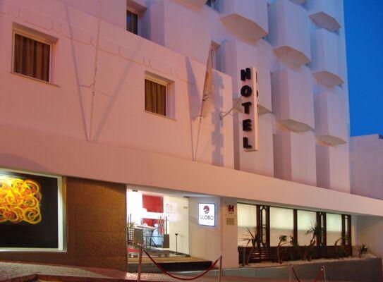 Holidays at Globo Hotel in Portimao, Algarve