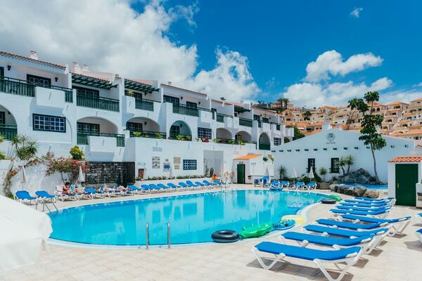 Holidays at Neptuno Apartments in Torviscas, Costa Adeje