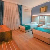 Amore Hotel Picture 6