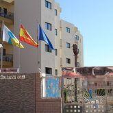 Los Ficus Apartments Picture 3