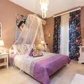 V.A Boutique Apartments & Suites Picture 4