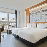 Tryp Apolo Hotel Picture 2
