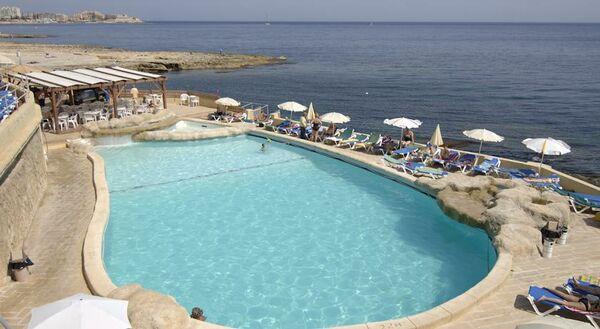 Holidays at Preluna Hotel and Spa in Sliema, Malta