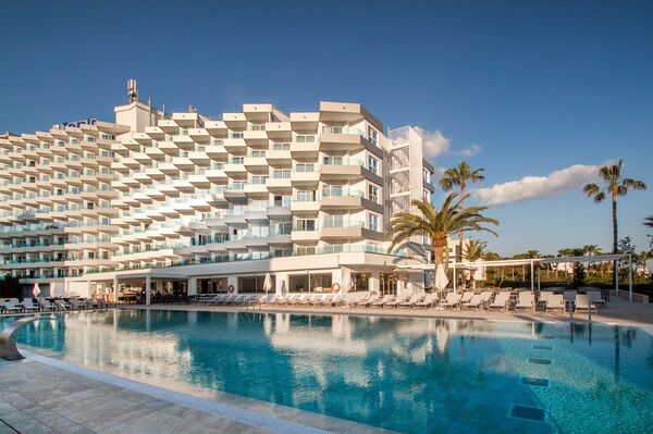 Holidays at Tomir Portals Suites (Ola Tomir Apartments) in Portals Nous, Majorca