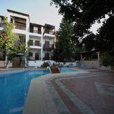 Rena Apartments Picture 6