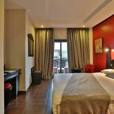 Red Hotel Picture 3