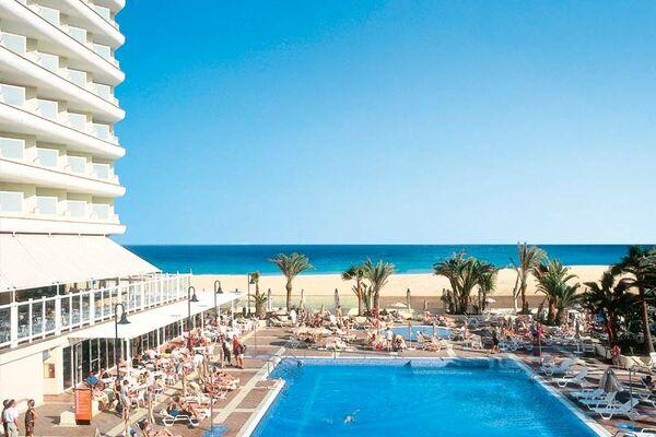 Holidays at Riu Oliva Beach Hotel in Corralejo, Fuerteventura