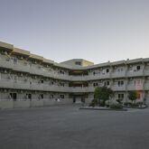 Hillside Studios & Apartments Picture 2