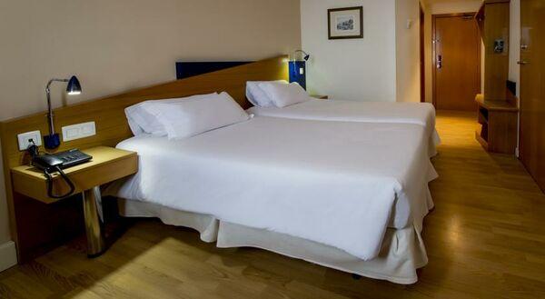 Holidays at B & B Alicante Hotel in Alicante, Costa Blanca