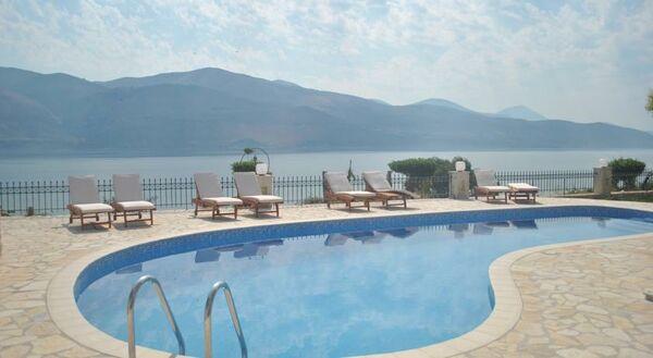 Holidays at Lazaratos Hotel in Lixouri, Kefalonia