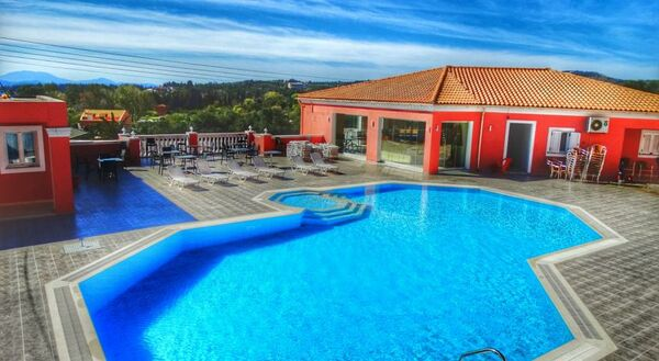 Holidays at Paradiso Apartments in Ipsos, Corfu