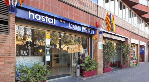 Holidays at Bcn Port Hostal in Parallel, Barcelona