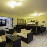 Hillside Studios & Apartments Picture 8