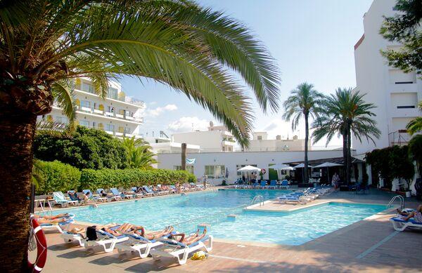 Holidays at Tropical Hotel in San Antonio, Ibiza