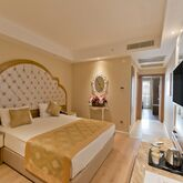 Side Premium Hotel Picture 2
