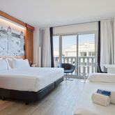 Tryp Apolo Hotel Picture 4