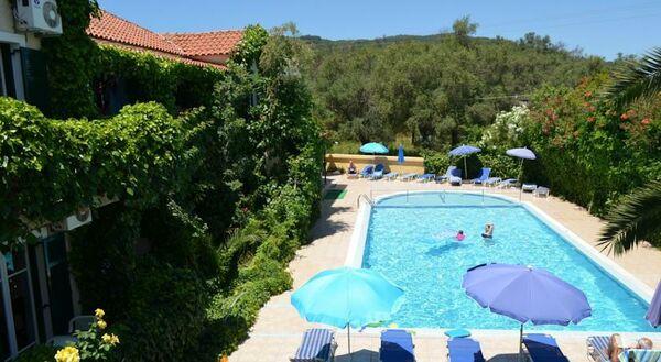 Holidays at Mayflower Apartments in Moraitika, Corfu