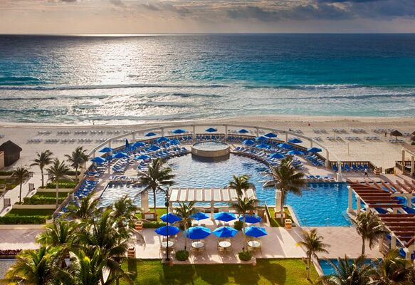 Holidays at Marriott Cancun Resort in Cancun, Mexico