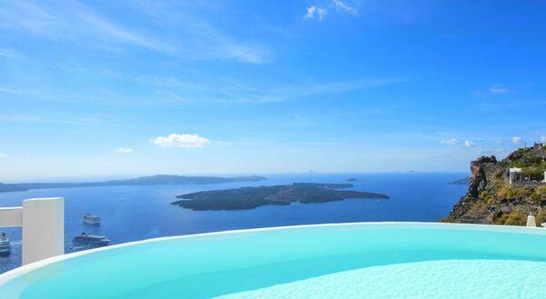Holidays at Aqua Luxury Suites Hotel in Imerovigli, Santorini