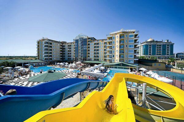 Holidays at Didim Beach Resort Aqua and Thalasso in Altinkum, Bodrum Region