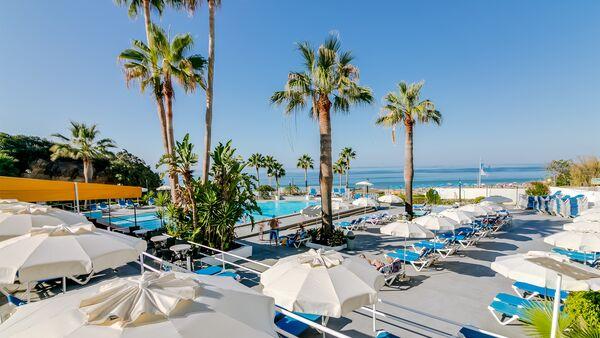 Holidays at Monica Isabel Beach Club Aparthotel in Albufeira, Algarve