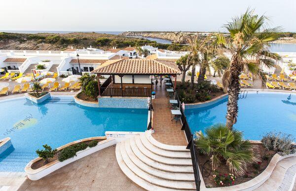 Holidays at Isla Paraiso Aparthotel in Arenal den Castell, Menorca