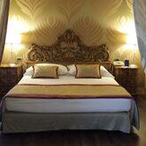 Amadeus Hotel Picture 3