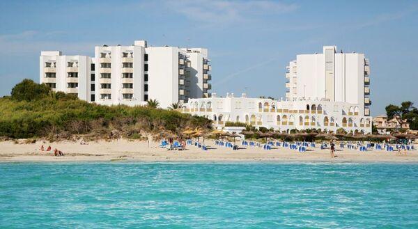 Holidays at Hipotels Bahia Grande Hotel in Cala Millor, Majorca