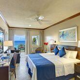 Coconut Court Beach Hotel Picture 3