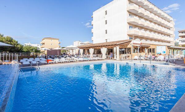Holidays at Blue Sea Don Jaime Hotel in Cala Millor, Majorca