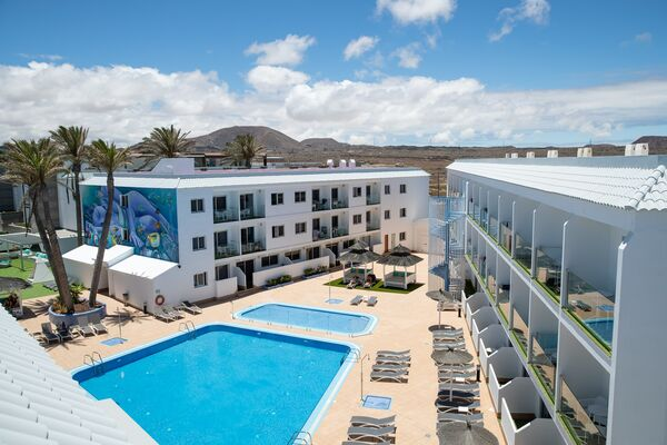 Holidays at Surfing Colors Apartments in Corralejo, Fuerteventura