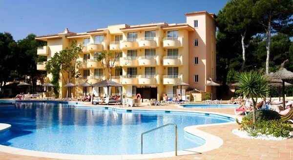 Holidays at Prinsotel La Pineda Hotel in Cala Ratjada, Majorca