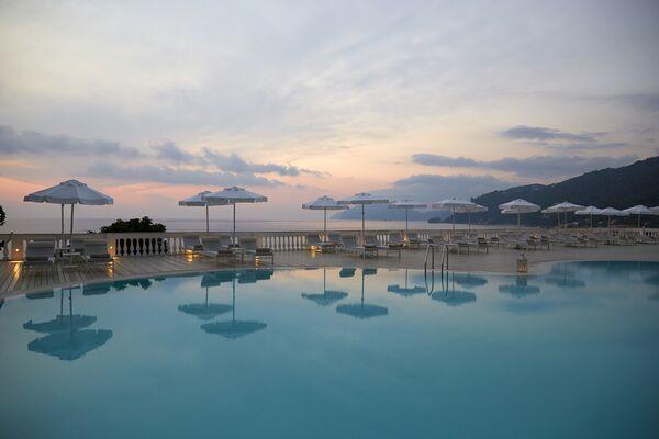 Holidays at Mayor La Grotta Verde Grand Resort in Agios Gordios, Corfu