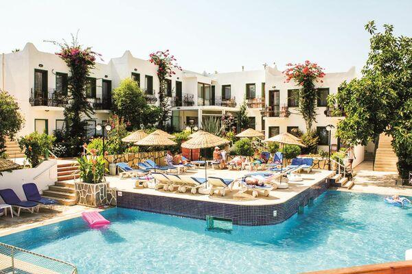 Holidays at Bronze Hotel in Gumbet, Bodrum Region